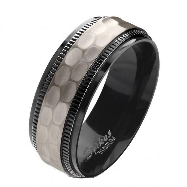 Tapsi´s Coolbodyart® Fingerring Titan schwarz-silber Zentrum mit Hammerschlag