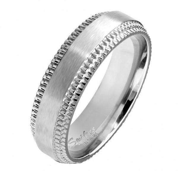 Tapsi´s Coolbodyart® Fingerring aus Titan in silber mit gemeißelten Rand